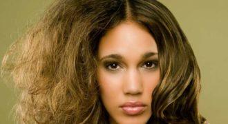 Что делать, если волосы жесткие и плохо укладываются