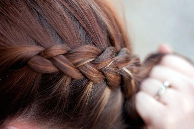 Cпособы плетения косичек из волос